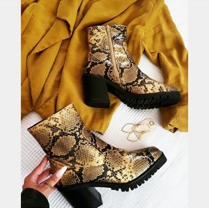 Sleigh Ride collection// Chunky bootie